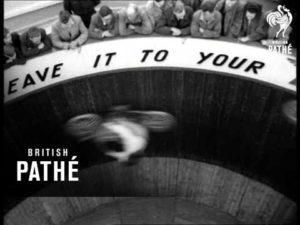 Мотоциклистки на «Стене Смерти»