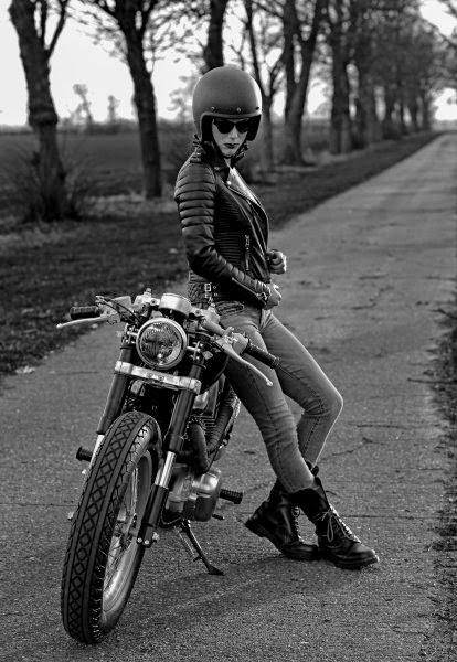 lady Biker-003