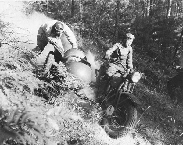 nu-da-check-pioneering-women-motorcyclists-14645_13