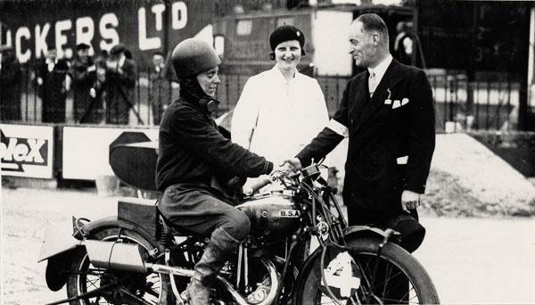 nu-da-check-pioneering-women-motorcyclists-14645_6