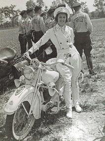 nu-da-check-pioneering-women-motorcyclists-14645_9