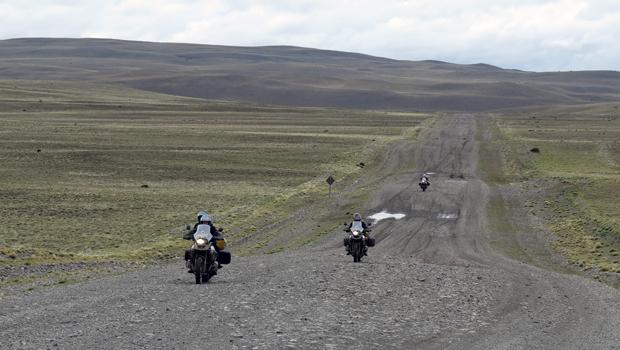 exclusive-motorcycle-tours-exmo-patagonia-tierra-del-fuego-ruta-40-ruta-7-carretera-austral-perito-moreno-torres-del-paine-argentina-cile-rental-motorcycle-bmw-1200-gs-03
