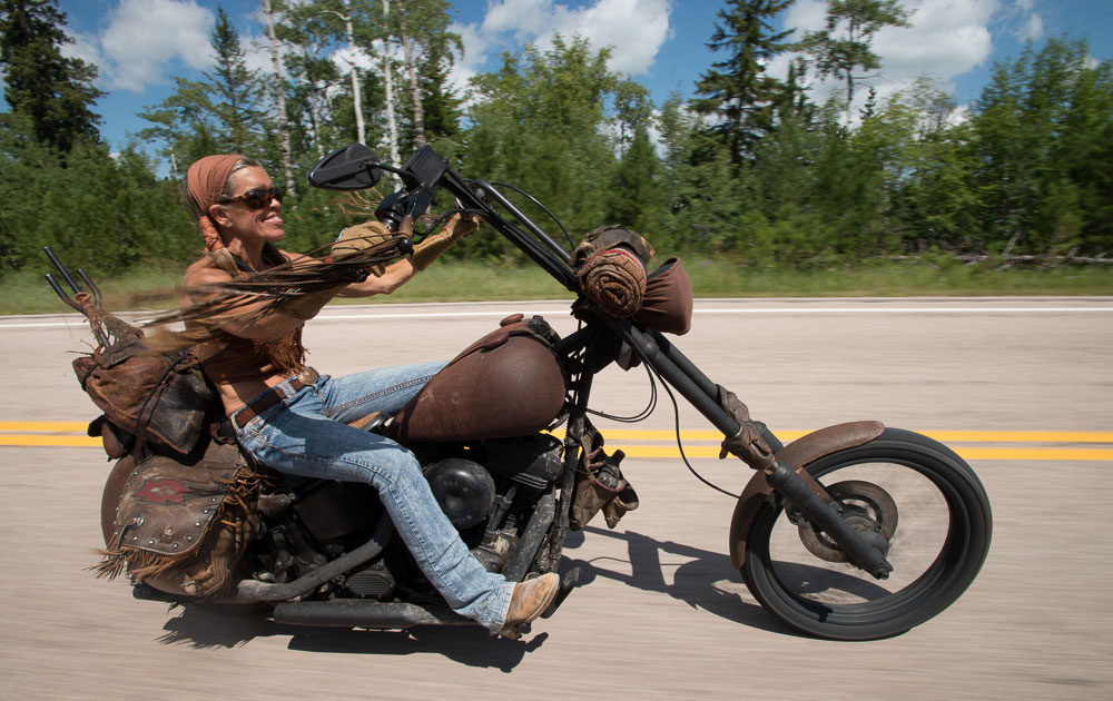 women-on-motorcycles-Besty-Huelskamp_courtesy-Michael-Lichter